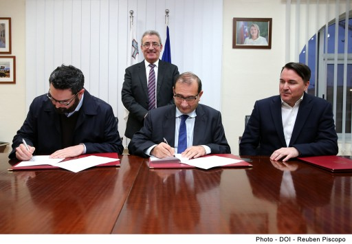 Learning Machine Signs Blockchain MOU with Government of Malta